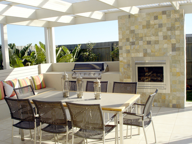 3 Trends and Must-Haves for Enhanced Outdoor Living