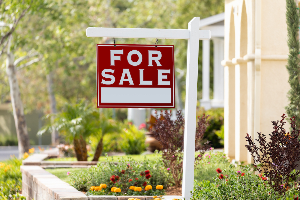 Most Homebuyers Made Offers Site-Unseen in 2020, According to Redfin